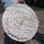 In rot die Unterschriften der anwesenden Radler